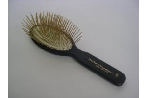 ccs-35mm-oval-gold-pin-brush